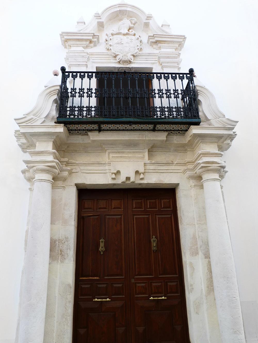 Foto de la fachada del mueso casa de las columnas