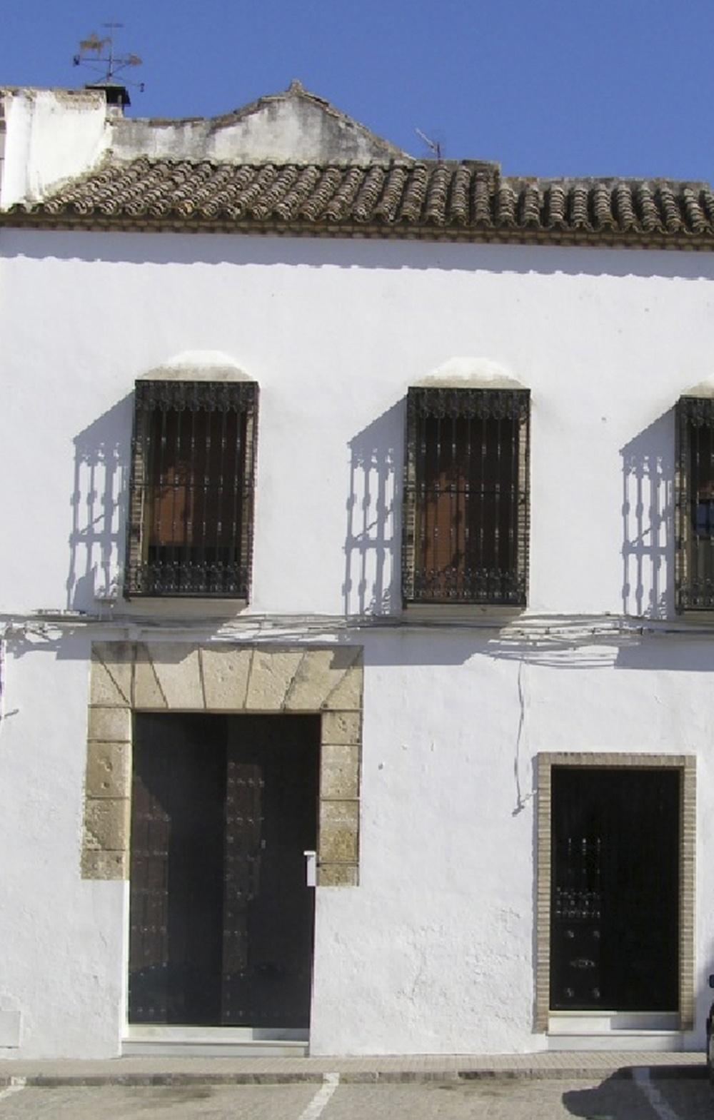 Foto de la fachada de la posada de la plaza mayor