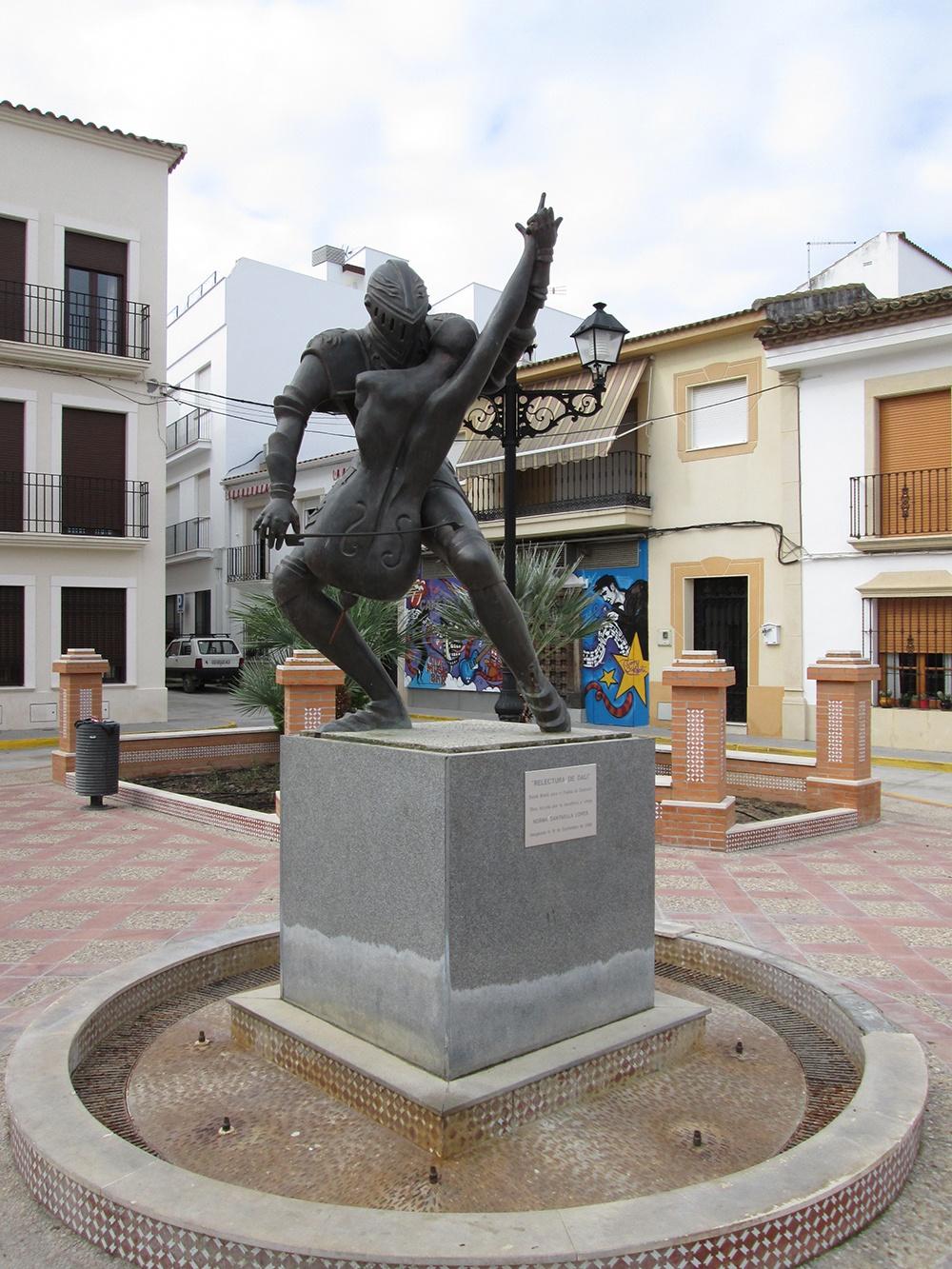 """Foto de la escultura """"relectura de Dali"""""""